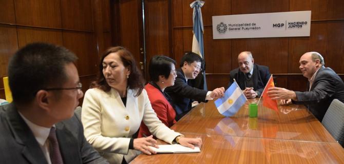El Intendente Arroyo recibió al embajador de China en Argentina y se comprometieron a estrechar lazos turísticos y comerciales